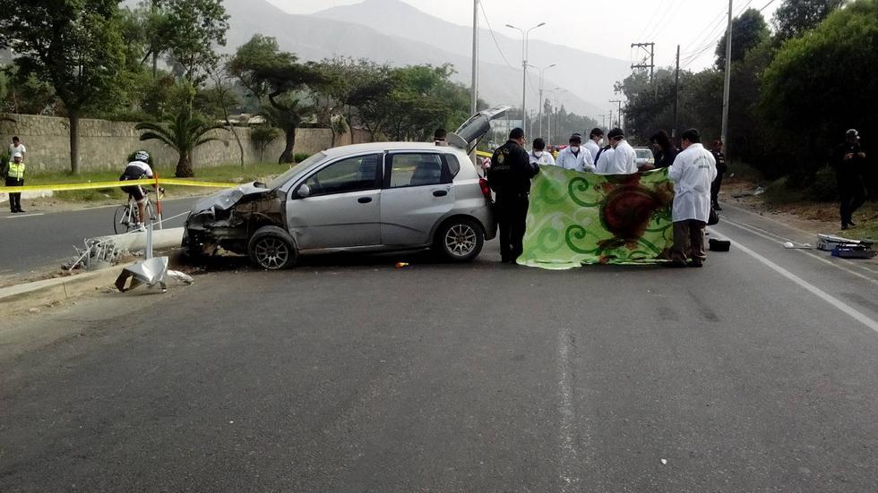 Chosica: Cadáver de mujer es hallado en la maletera de un auto accidentado. (Perú21)