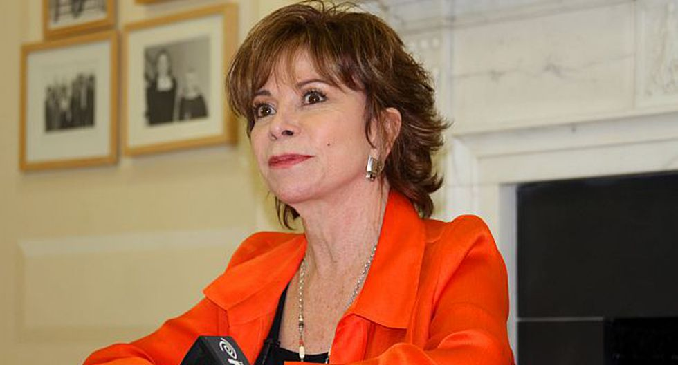 Isabel Allende enciende las redes sociales tras partido de Chile y España. (AP)