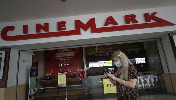 Cinemark no venderá alimentos y bebidas en la reapertura de sus salas de cine y tampoco permitirá el consumo dentro de sus locales. (Foto: César Campos/GEC)