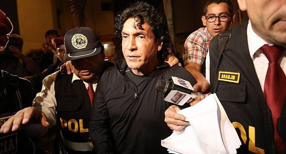 investigado. Pasadas las 7:00 de la noche, 'Peter Ferrari' fue sacado de la casa de La Planicie y llevado a la Fiscalía en Santa Anita. (Anthony Niño de Guzmán)