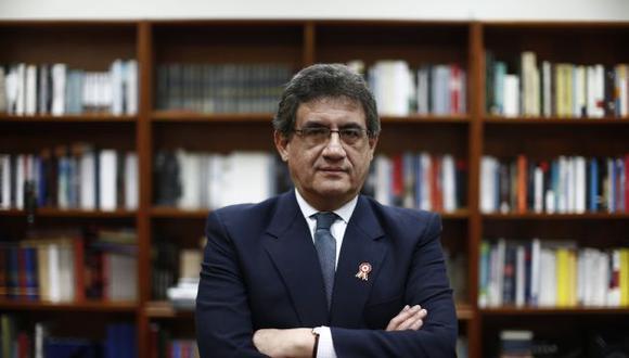 Juan  Sheput reitera sus críticas a la comisión Lava Jato y a su presidenta Rosa Bartra.