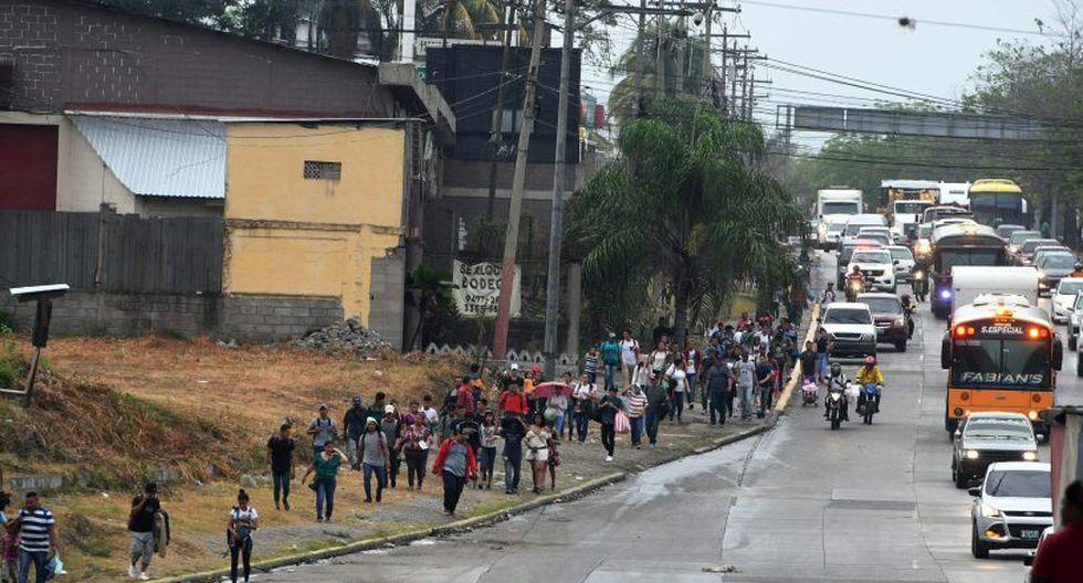 Según la cancillería de Honduras, cada día reciben dos vuelos de retornados y hasta 16 autobuses con unas 750 personas procedentes de México.(Foto: AFP)