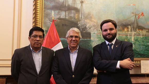Vicente Zeballos (actual ministro de Justicia), Gino Costa y Alberto de Belaunde. Ellos, junto con Guido Lombardi, renunciaron a Peruanos por el Kambio. (Foto: GEC)