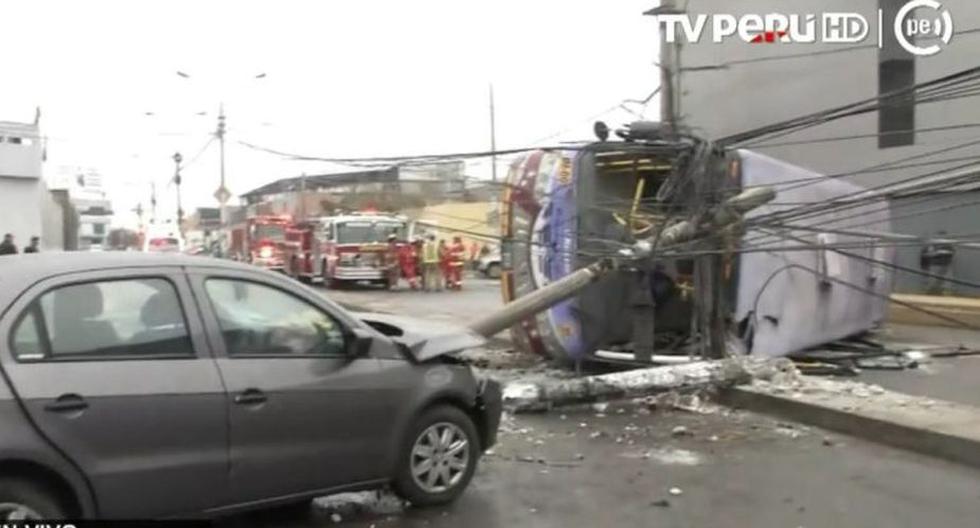 Accidente en la avenida Dueñas ha dejado al menos 15 heridos.