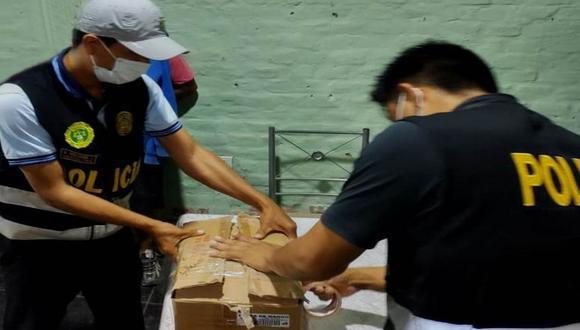 Piura: Agentes del Depincri Piura capturaron a seis personas e incautaron 10 kilos de clorhidrato de cocaína en una vivienda, en Sullana. (Foto PNP)