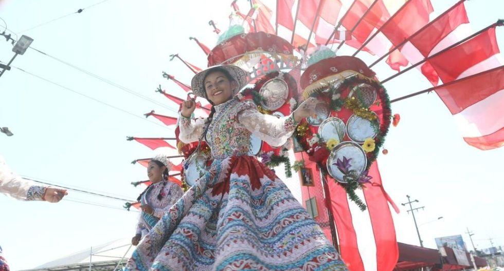 Danzas para todos los gustos en las calles de la Ciudad Blanca. (Eduardo Barreda / Correo Arequipa)
