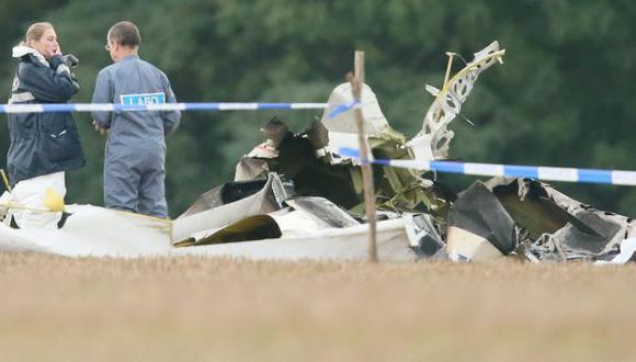 Avión quedó parcialmente calcinado. (EFE)