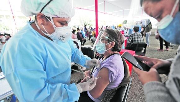El Gobierno ha informado que el Perú cuenta a la fecha con más de 90 millones de vacunas contratadas para inmunizar a la ciudadanía contra el COVID-19. (Foto: Jorge Cerdan / GEC)
