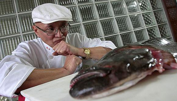 El maestro Javier Wong y el lenguado tienen una relación casi simbiótica (Perú21).