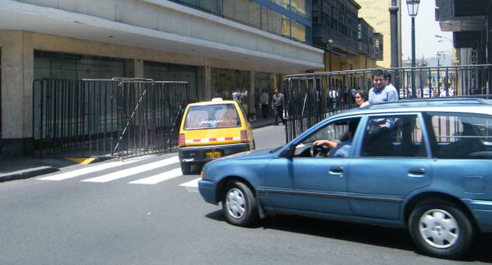 Rejas afectan el comercio del Centro Histórico. (USI)