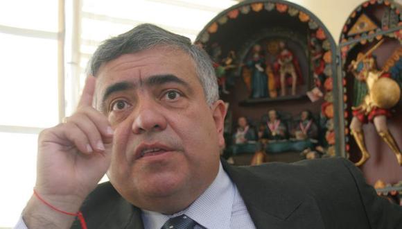 Enrique Ghersi sostiene que debería revisarse caso por caso si corresponde entregarle un bono a los congresistas de provincias. (Foto: GEC)