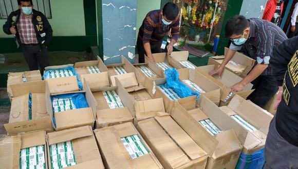 Piura: Detienen a chofer que camuflaba 640 mil soles en pirotecnia ilegal y cigarrillos bajo sacos de chuño (Foto: PNP)