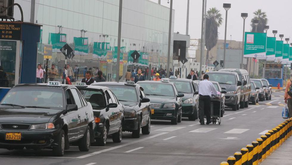 Taxis saldrán del aeropuerto Jorge Chávez. (Referencial/Gestión)