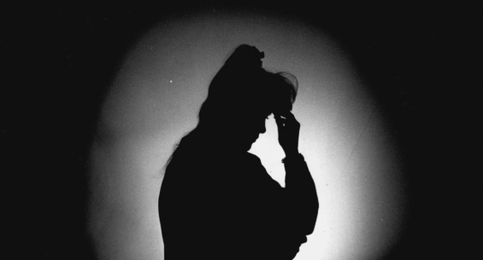 El hostigamiento sexual es considerado una falta grave y se configura cuando es cometido por el empleador o la autoridad dentro del centro de trabajo o también por un compañero de labores. (Getty Images)