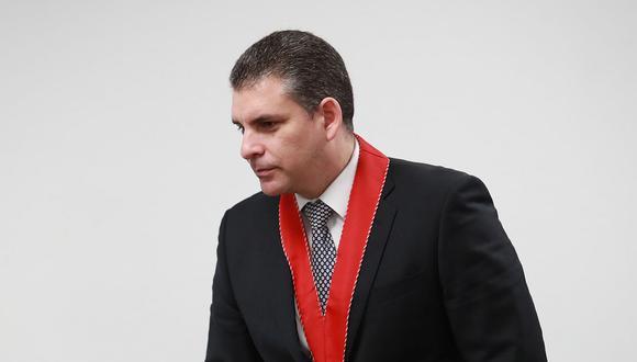 El fiscal superior Rafael Vela Barba denunció que personal vinculado a Pedro Chávarry ingresó a una oficina lacrada. (Foto: GEC)