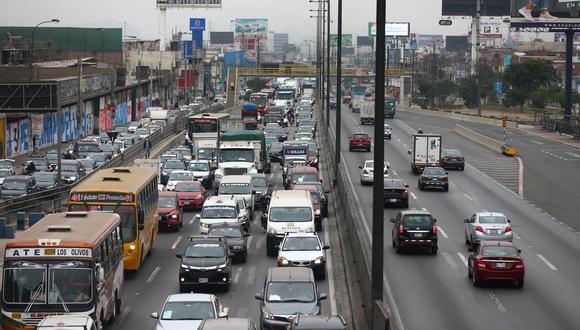 El titular del sector Transportes anunció que ya están trabajando en los protocolos de seguridad para los viajes familiares. (Foto: GEC)