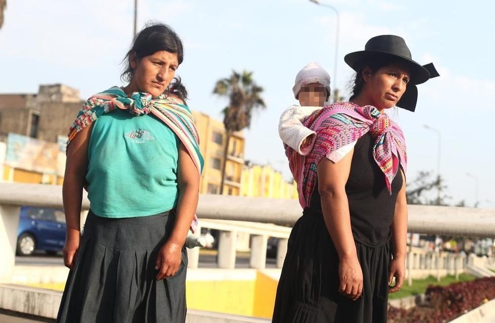 Elena Campos (izquierda) y Cecilia Camargo, familiares de víctimas de las columnas terroristas de los Quispe Palomino. (Foto: César Campos)