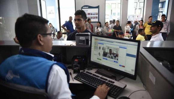 Migraciones volverá a exigir pasaporte a los venezolanos que deseen al país. (Foto: El Comercio)
