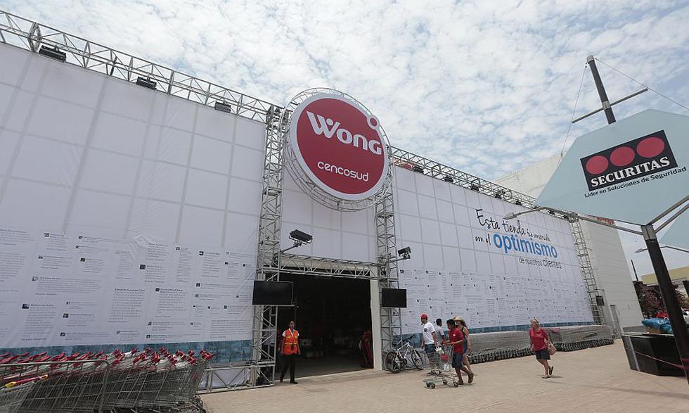 Boulevard de Asia: Supermercado Wong reabrió sus puertas al público esta mañana. (Nancy Dueñas)