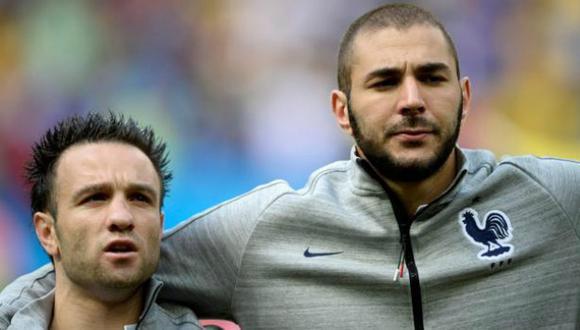 Benzema y Valbuena fueron compañeros en la selección de Francia. (AFP)
