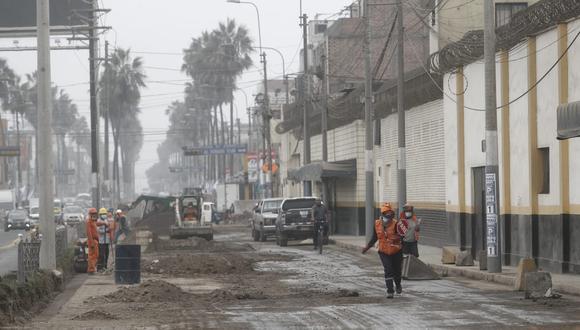 La Municipalidad de Lima realiza actualmente obras de remodelación del pavimento en la avenida Defensores del Morro, antes Av. Huaylas, específicamente en los exteriores del penal de Mujeres de Santa Mónica, en Chorrillos. (Foto: Cesar Campos/ @photo.gec)