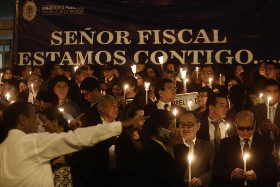 Así se realiza la vigilia a favor del fiscal de la Nación Pablo Sánchez