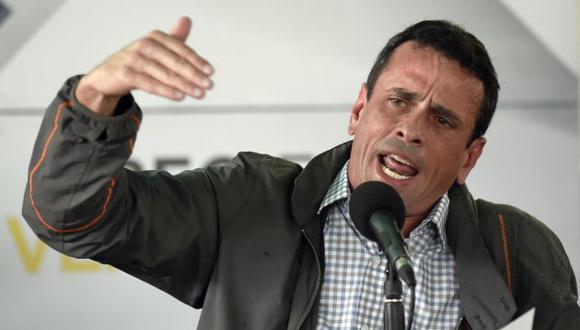 Henrique Capriles criticó las medidas económicas del gobierno de Maduro. (AFP)