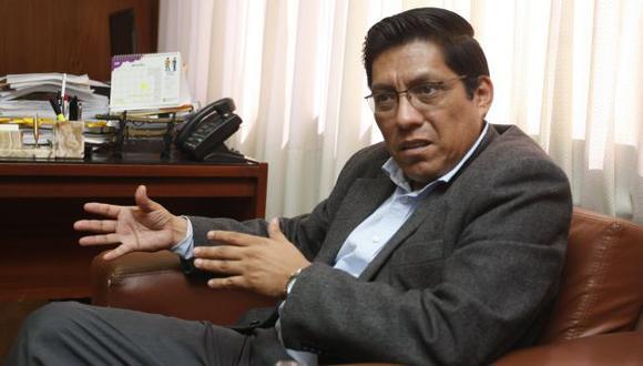 Vicente Zeballos (Mario Zapata)