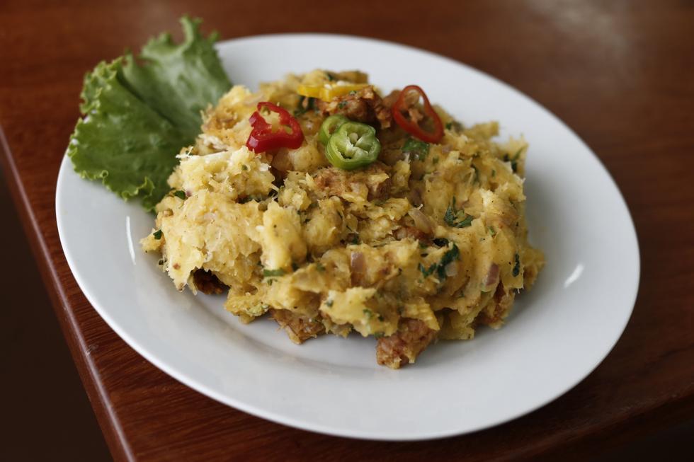 El majado de yuca tiene una versión alternativa: el seco de chabelo. Se prepara con plátano majado y carne de res (Renzo Salazar/Perú21).