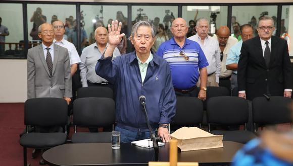 El ex presidente Alberto Fujimori comenzó el año, pese a su indulto, acudiendo a audiencias ante el Poder Judicial. En marzo, fue por un juicio por el secuestro de Gustavo Gorriti. (Foto: GEC)