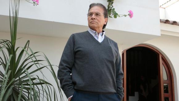 (Roberto Cáceres)