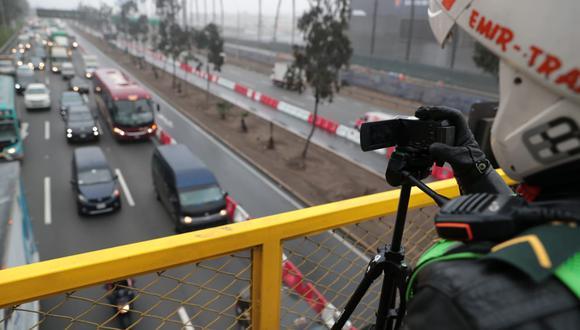 Burgomaestre ratificó que desde la puesta en marcha de 'pico y placa' se evidenció un incremento en la velocidad de los buses de los corredores Azul y Rojo, respectivamente.(Foto: GEC)