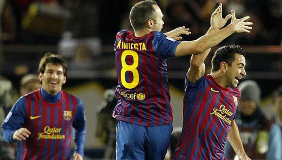Lionel Messi (1.69 m), Andrés Iniesta (1.70 m) y Xavi Hernández (1.70 m) hacen magia todas las semanas. (AP)
