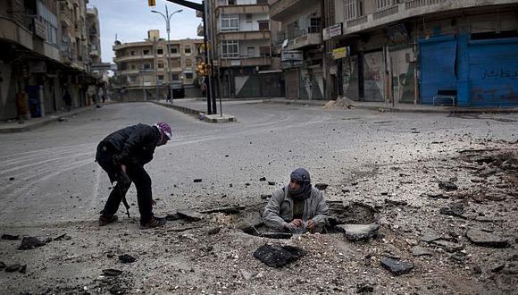 Las principales ciudades sirias han quedado destruidas por bombardeos del régimen de Al Asad. (AP)