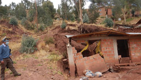 Cusco: Ingemmet recomiendan reubicar centro poblado APV 20 de Enero del distrito de Poroy ante posibles derrumbes y deslizamientos. (Foto Ingemmet)
