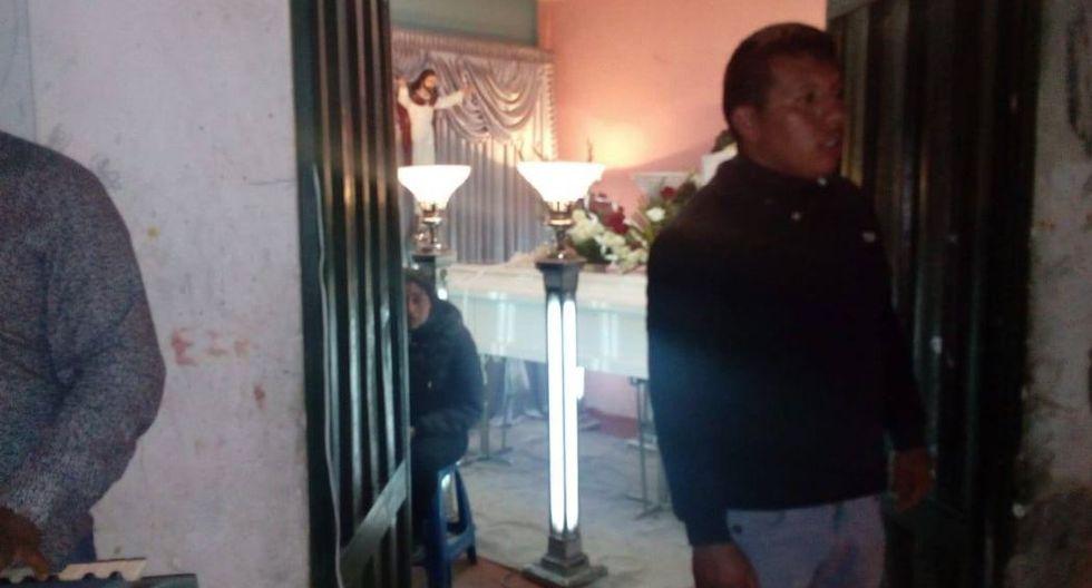 El cuerpo de Juanita Mendoza Alva viene siendo velado en su vivienda de Cajamarca. Familiares y amigos exigen cadena perpetua para quien la asesinó. (USI)