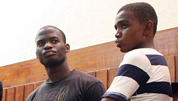Autor de ataque (izquierda). (AFP)