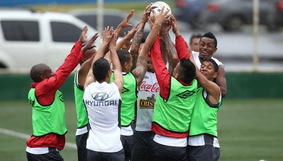 PRUEBA DE RIGOR. En el estadio Rommel Fernández, Perú chocará con el líder del hexagonal. (Eddy Lozano)