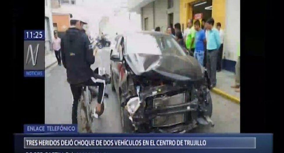 Uno de los conductores detalló que el impacto se produjo por una negligencia de un agente de tránsito. (Foto: Captura Canal N)