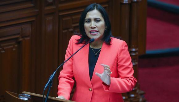 Flor Pablo y el resto de congresistas del Partido Morado se sumaron al bloque de Somos Perú. (Foto: Andina)