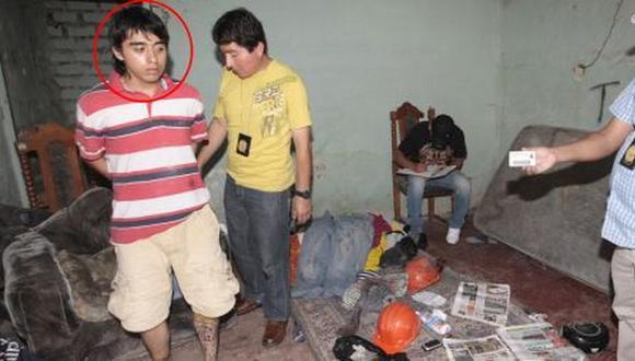En su cuarto, se econtraron diarios locales con noticias resalatadas de algunos asesinatos. (Difusión)