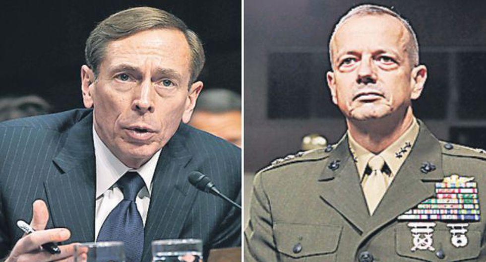 EN LA MIRA. General John Allen (der.) implicado en caso Petraeus. (Reuters)