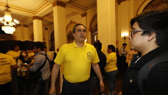 Solidaridad Nacional defiende a Mario Bryce tras cometer condenable acto ante Julio Arbizu. (Piko Tamashiro / GEC)