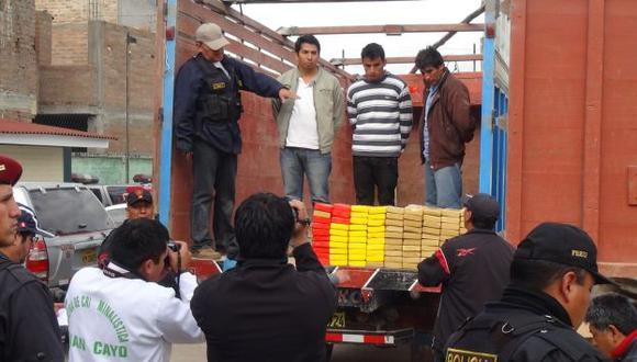 Huancayo: Incautan 94 kilos de cocaína escondidas en un camión. (Andina)