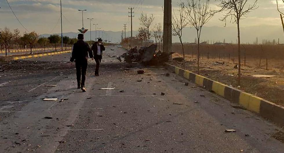 Fotografía muestra los daños después de un ataque dirigido al automóvil del científico nuclear iraní Mohsen Fakhrizadeh. (IRIB NEWS AGENCY / AFP).