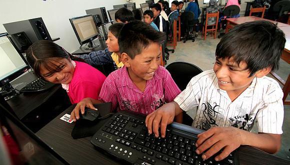 Para vencer a la pobreza, niños deben tener acceso a oportunidades básicas incluido internet. (INEI)