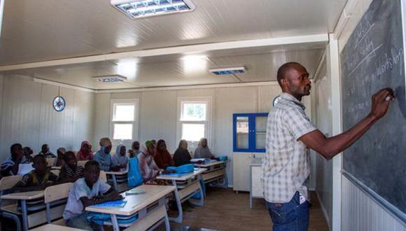 La pobre situación de la educación en Nigeria se debe a la falta de financiación (cronicaviva).