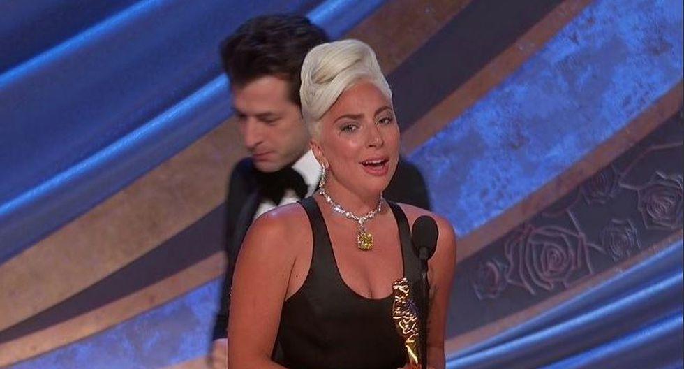 ¡Emocionada hasta las lágrimas! Lady Gaga llora tras ganar el Oscar por 'Shallow'. (Captura)