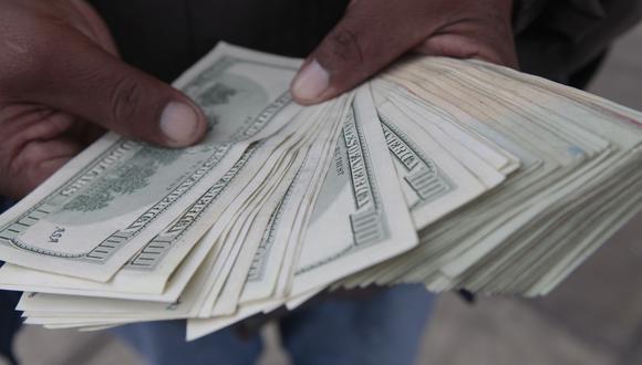 El dólar se vendía hasta en S/3.487 en los bancos durante esta mañana.(Foto: GEC)