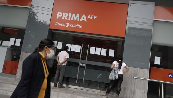 La Comisión de Economía aprobó un dictamen por insistencia que faculta a los afiliados de las AFP retiren hasta 4 UIT de sus fondos. (Foto: Andina)